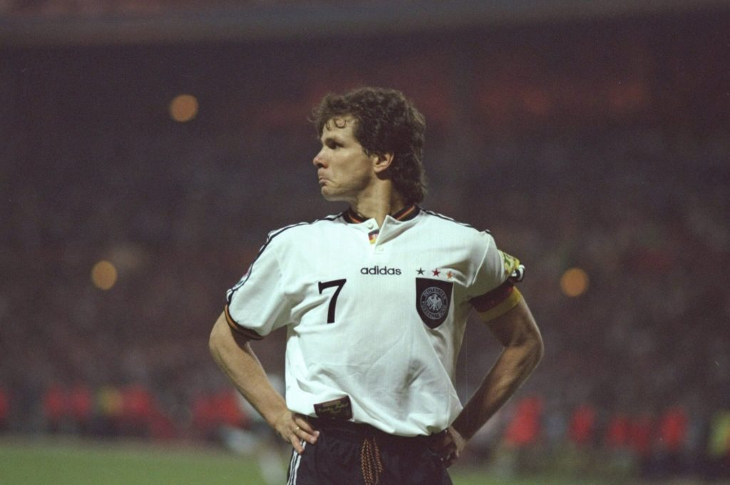 Nach sechs Jahren (1994 – 2000) und 153 Spielen bei Borussia Dortmund wechselte Möller zum Erzrivalen Schalke 04. Foto: Allsport