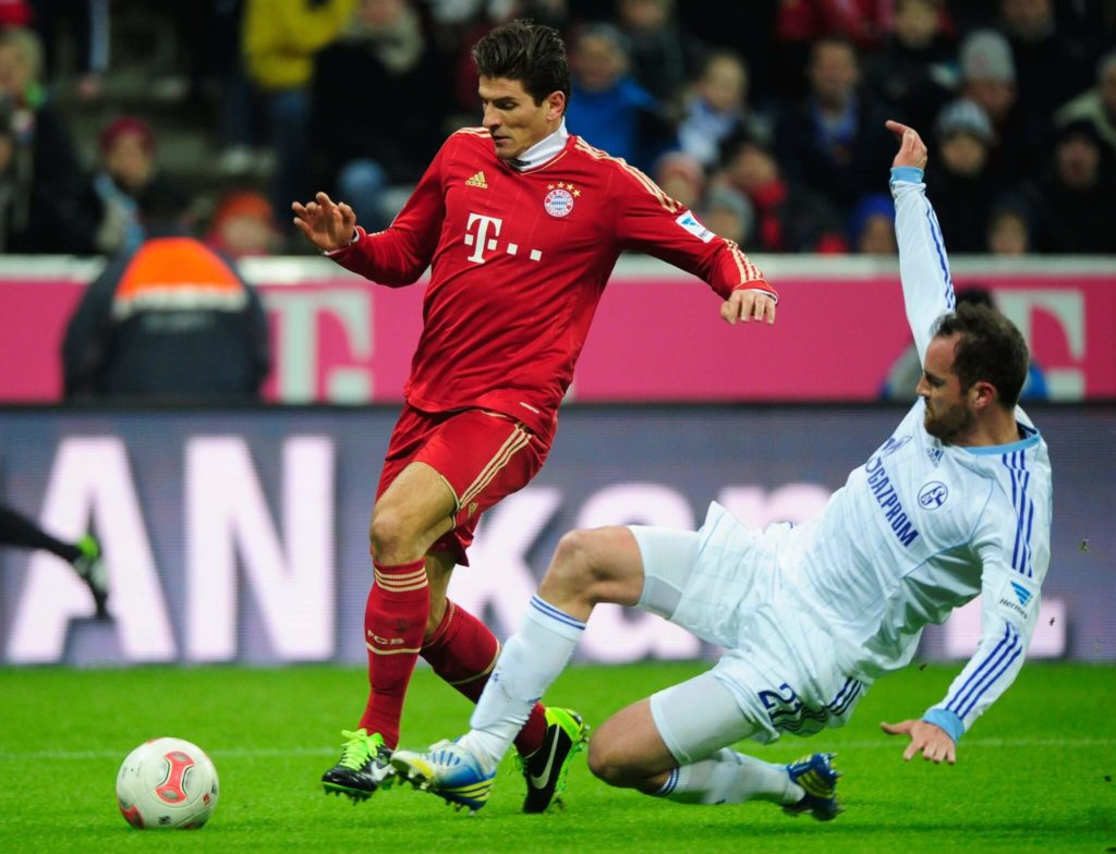 Christoph Metzelder (rechts) spielte unter anderem für Dortmund und Schalke. Foto: Getty Images