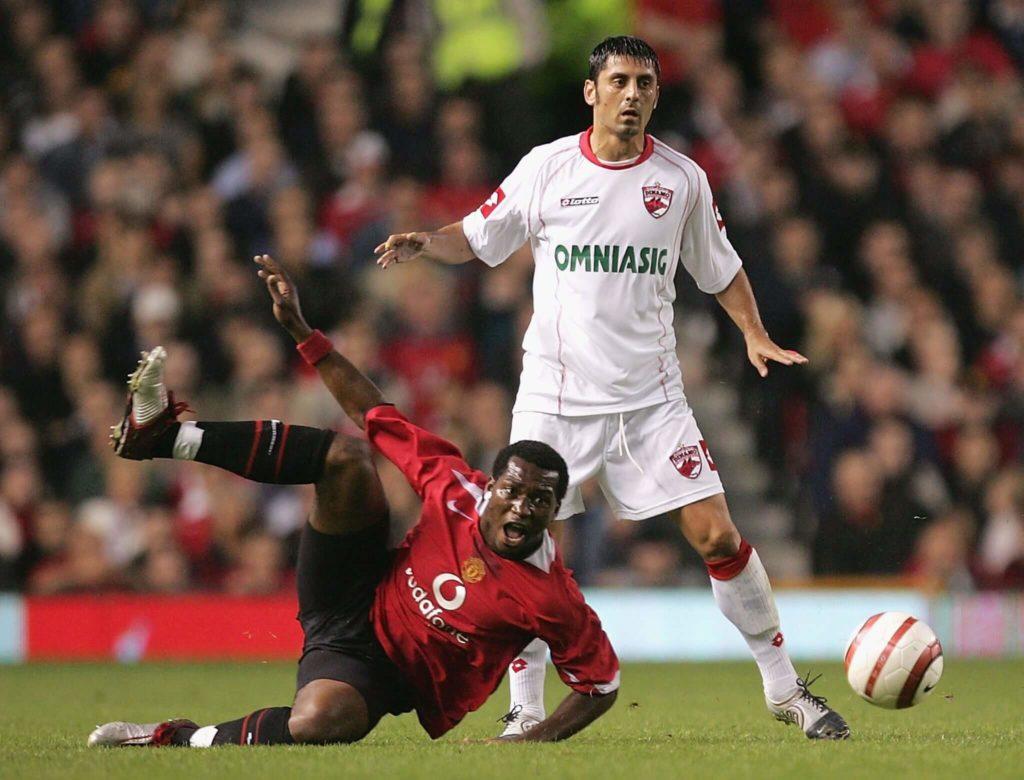 Die Verschwendungssucht macht Djemba-Djemba zum Fußball-Wandervogel. Foto: Getty Images