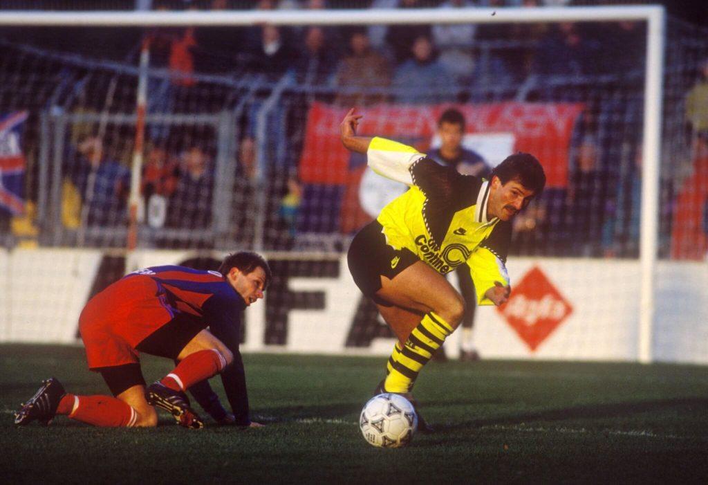 Als 1991/92 der Griff nach der Meisterschale in letzter Sekunde misslingt, sind Breitzkes Tage in Dortmund gezählt. Foto: Imago
