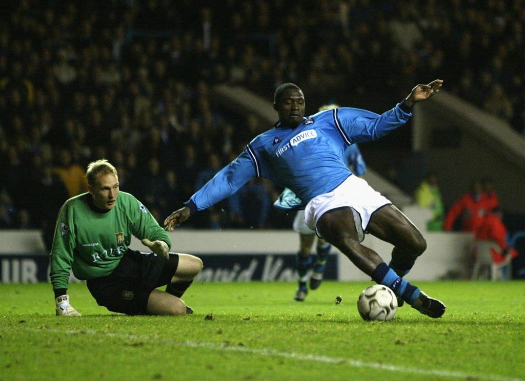 Marc Vivien Foe for ManCity (Photo by Alex Livesey/Getty Images)