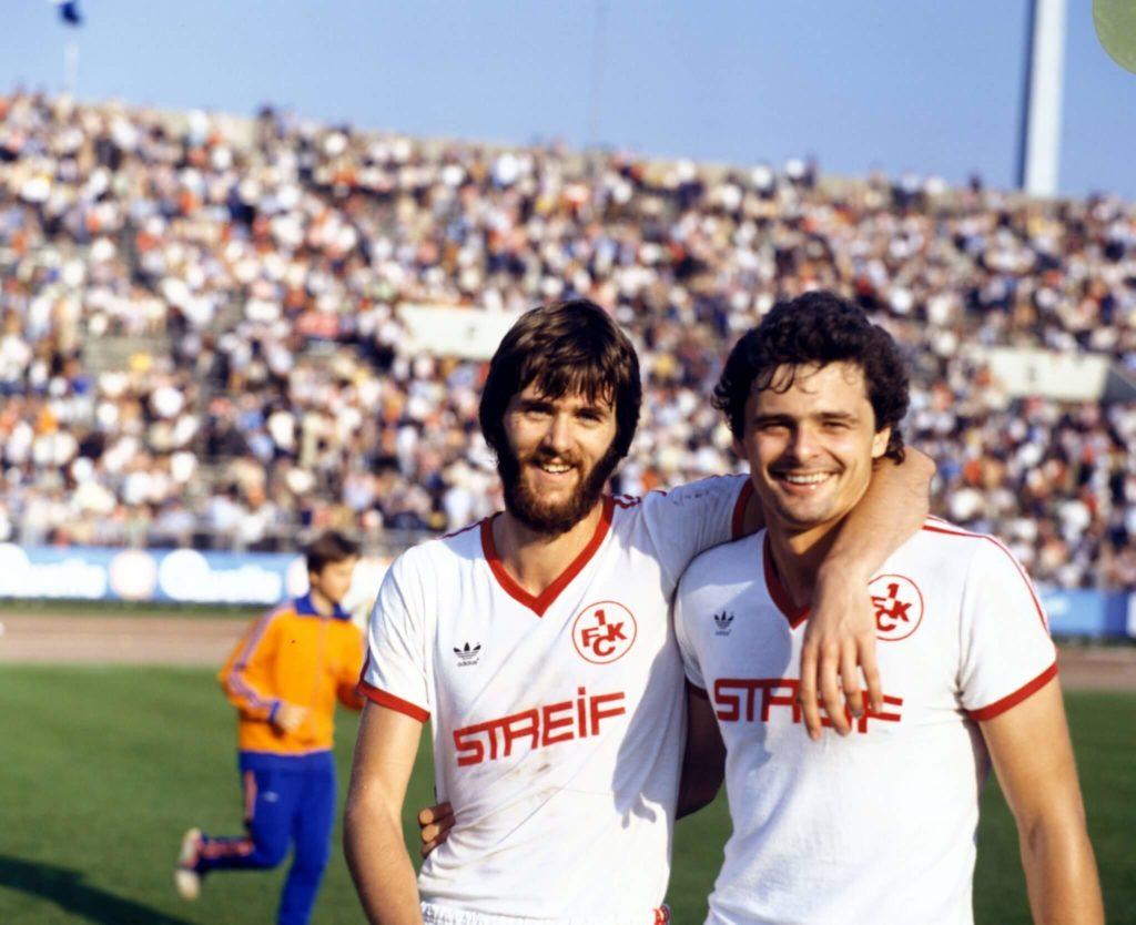 Eigendorf (rechts) spielte nach seiner Flucht unter anderem in Kaiserslautern - gemeinsam mit Friedhelm Funkel. Foto: Imago