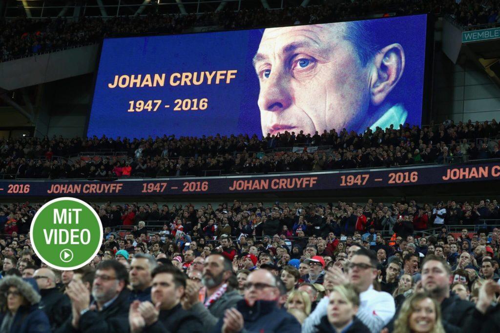 Nach seinem Tod wurde Johan Cruyff gedacht. Foto: Getty Images