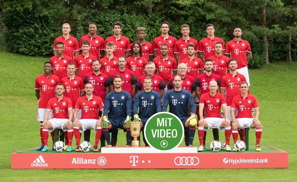 Der Bayern-Kader vor Beginn einer der vergangenen Spielzeiten. Foto: Getty Images