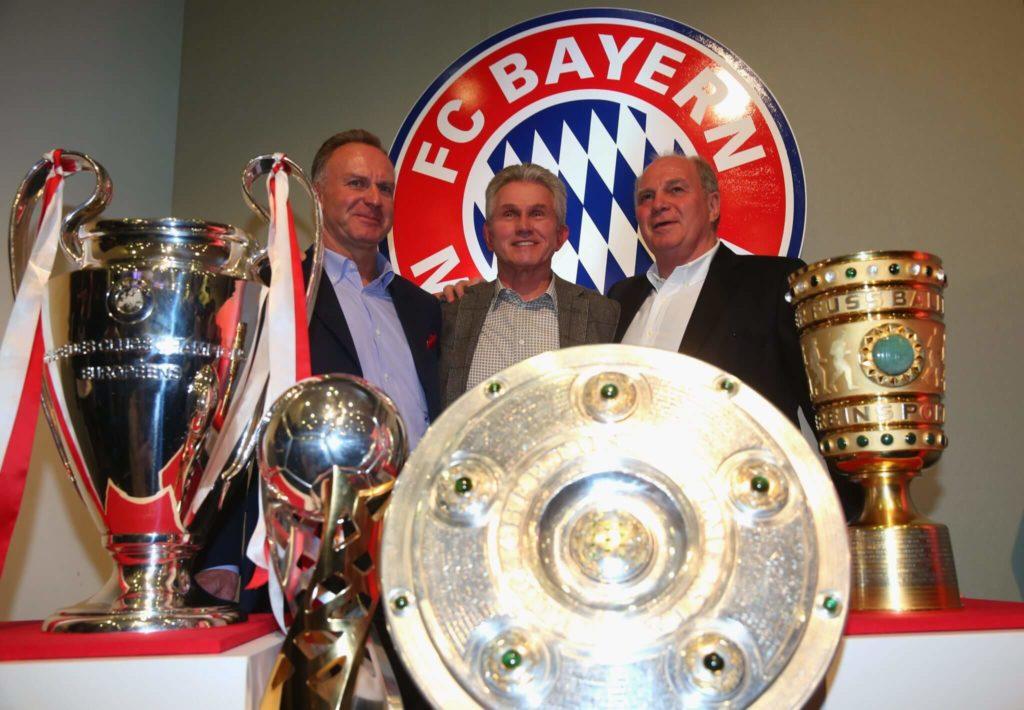 Die Bayern-Bosse mit Trainer Jupp Heynckes (Mitte). Foto: Getty Images