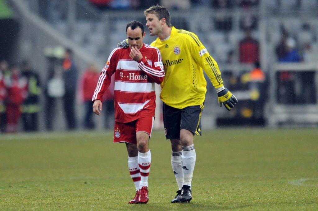 Donovan (links, mit Keeper Michael Rensing) war nur rund zwei Monate für die Bayern aktiv. Foto: Imago