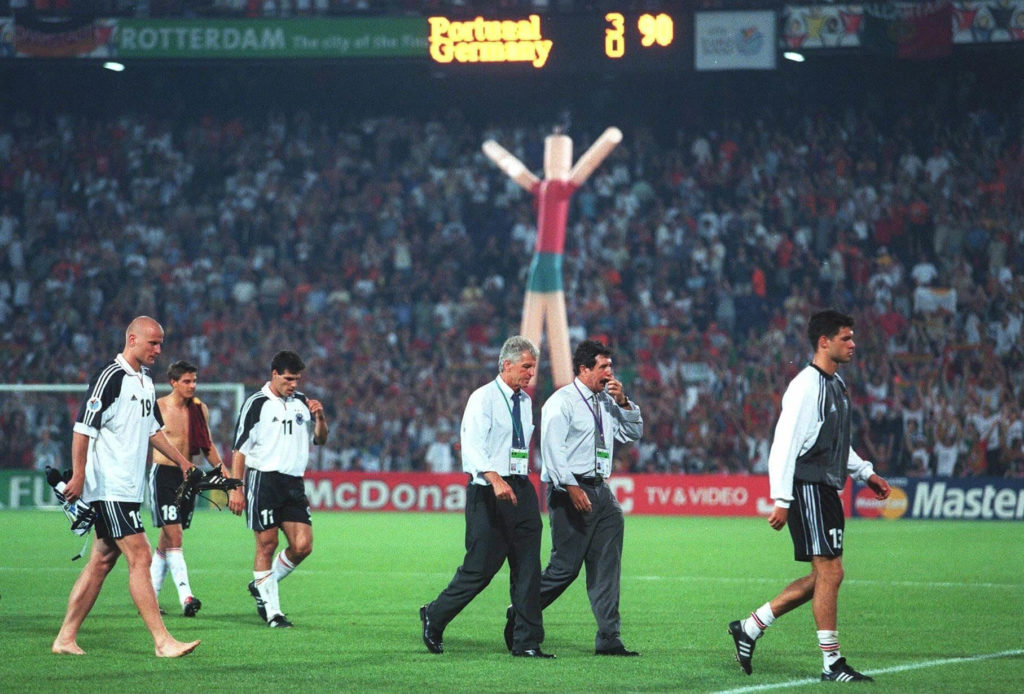 Der absolute Tiefpunkt: Europameisterschaft 2000 (Photo by Lutz Bongarts/Bongarts/Getty Images)