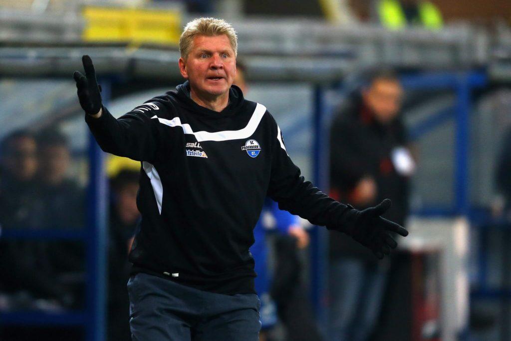 Als Paderborner Trainer lief es dagegen nicht rund. Foto: Getty Images