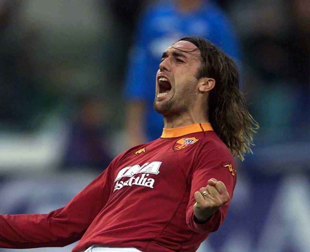 Gabriel Batistuta wechselte im Jahr 2000 für 32,5 Millionen Euro zum AS Rom. Foto: Getty Images