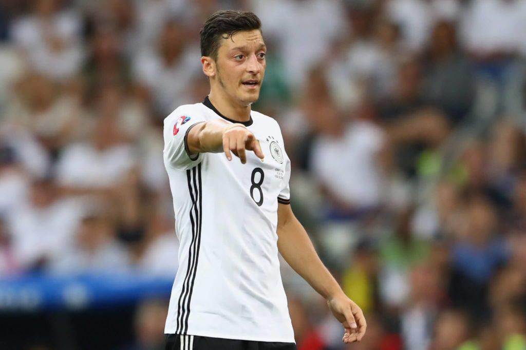 Der deutsche Nationalspieler Mesut Özil ist bekennender Moslem. Foto: Getty Images