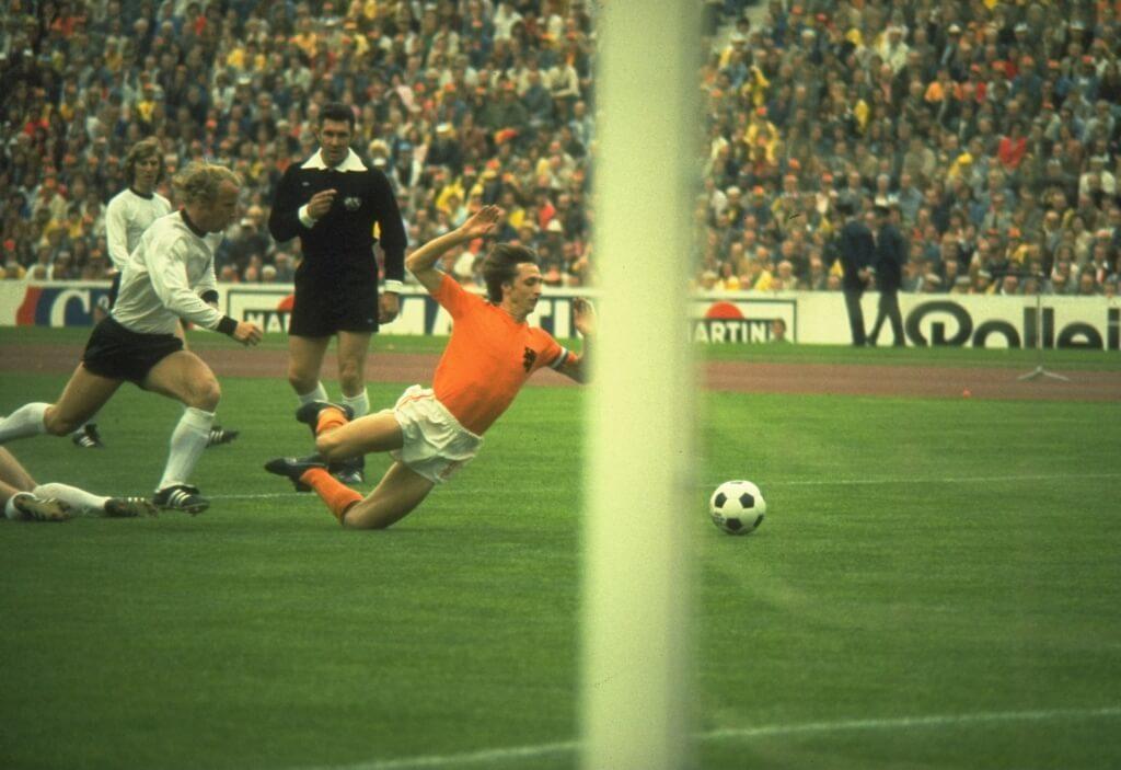 Es gab kaum einen besseren Kicker zu seiner Zeit: Johan Cruyff. Foto: Getty Images