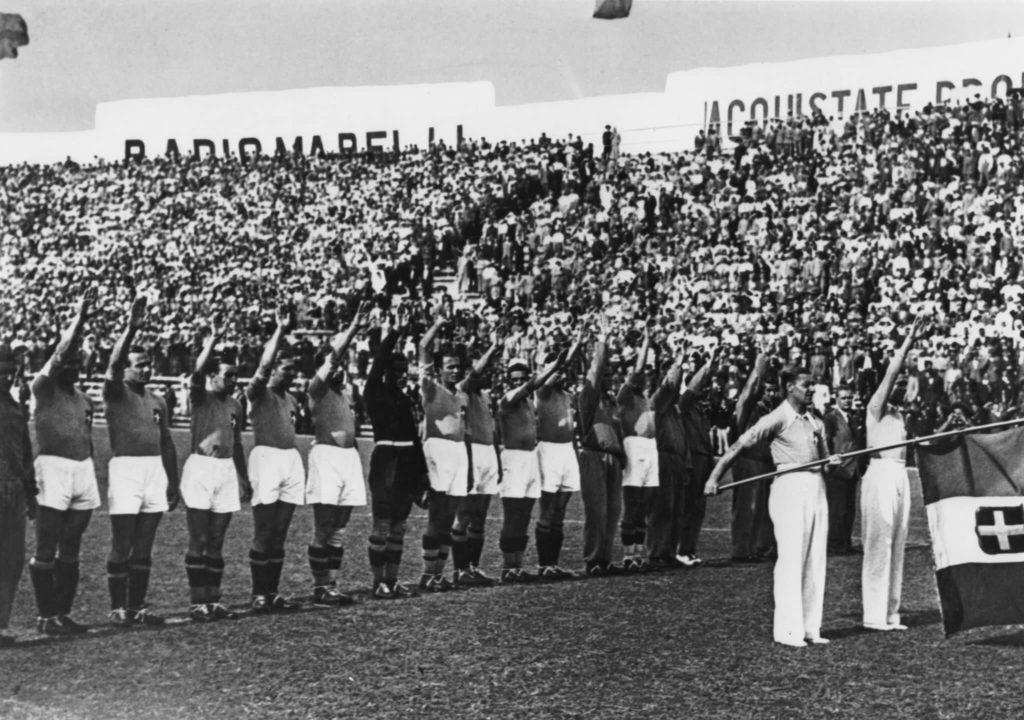 Der faschistische Gruß. Foto: Getty Images