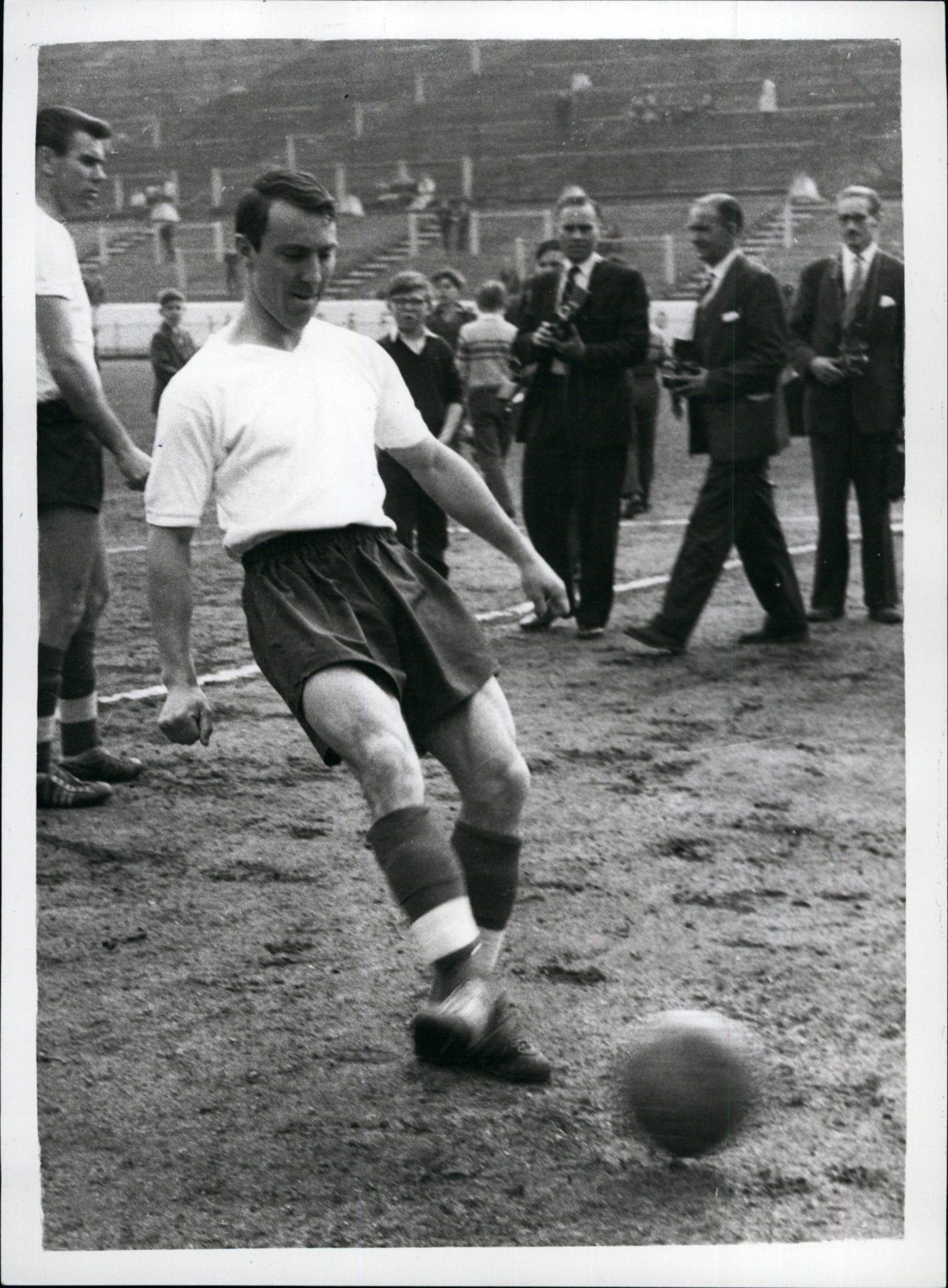 Jimmy Greaves kostete 99.999 GBP Ablöse. Foto: Imago