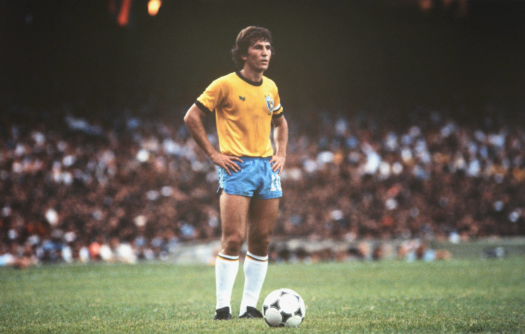 Held ohne großen internationalen Titel mit Brasilien - Zico. Foto: Imago
