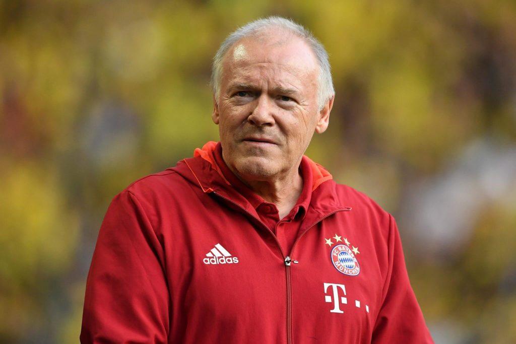 Seine Trainerlaufbahn startete er beim VfL Bochum in der Saison 1986/87 zunächst als Assistenztrainer. Foto: Getty Images