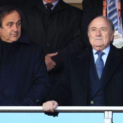 Michel Platini (links) gemeinsam mit Sepp Blatter. Foto: Getty Images