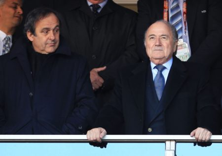 Michel Platini (links) gemeinsam mit Sepp Blatter. Foto: Getty Images