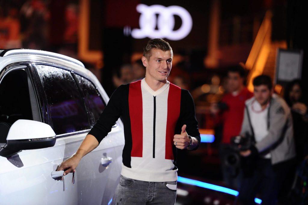 Toni Kroos von Real Madrid hat auch nichts gegen einen schicken Wagen. Foto: Getty Images