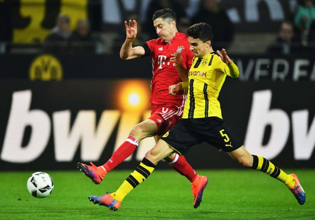 Auch Lewandowski machte rüber zum Erzfeind. (Photo by Stuart Franklin/Bongarts/Getty Images)