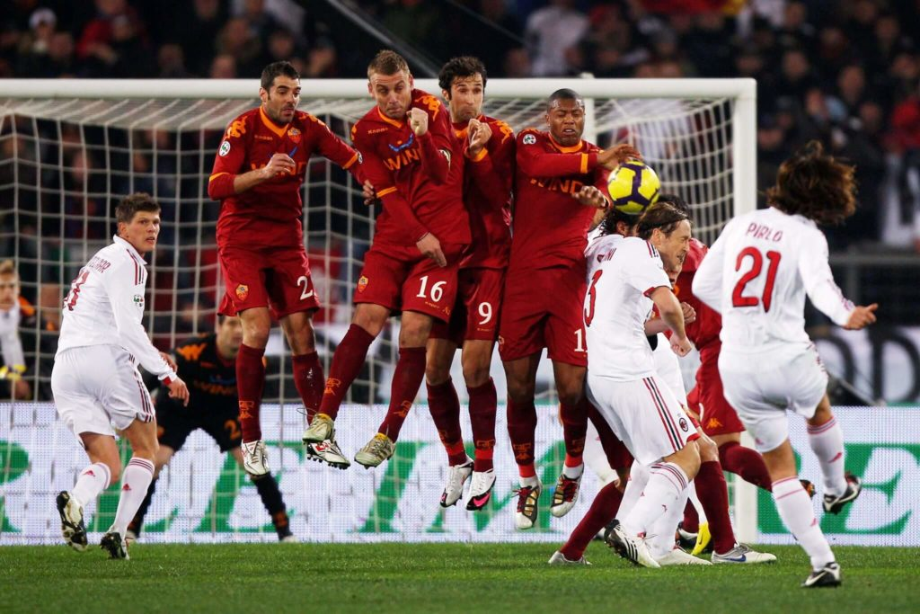 Ist er der beste Freekick Taker aller Zeiten ? Andrea Pirlo. (Photo by Michael Steele/Getty Images)