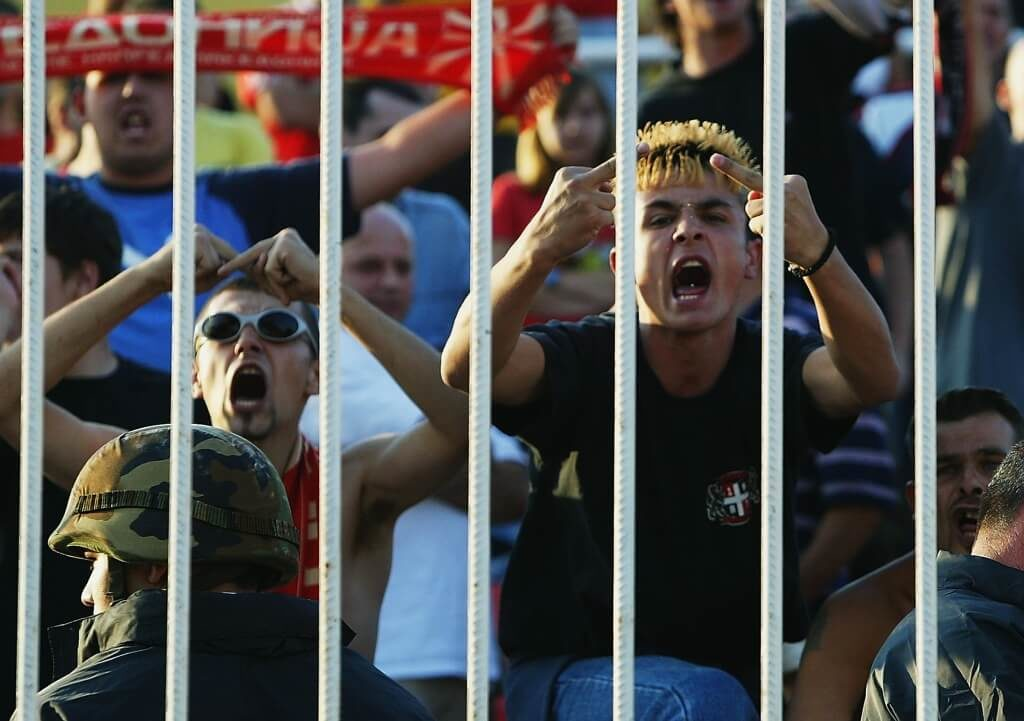 Fans beschimpfen Spieler. Foto: Getty Images
