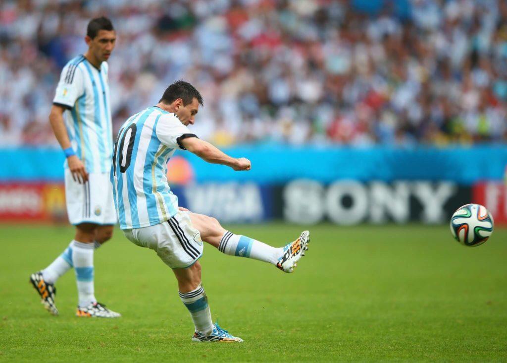 Leo Messi und CR7 sind keine guten Freistoßschützen - Foto: Getty Images)