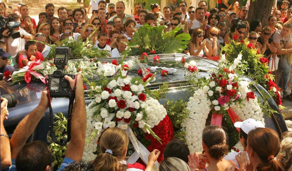 Sevilla-Fans erweisen Antonio Puerta die letzte Ehre. Foto: Getty Images