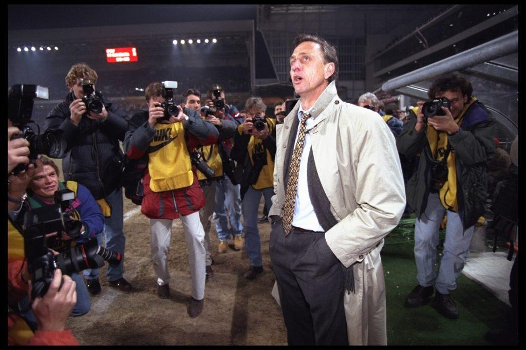 18 März 1996: Total Football - Johan Cruyff hat den Fußball revolutioniert und gab Barcelona ihre einzigartige Spielweise.