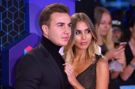 ROTTERDAM, NETHERLANDS - NOVEMBER 06: Mario Goetze and Ann-Kathrin Broemmel attend the MTV Europe Music Awards 2016 on November 6, 2016 in Rotterdam, Netherlands.