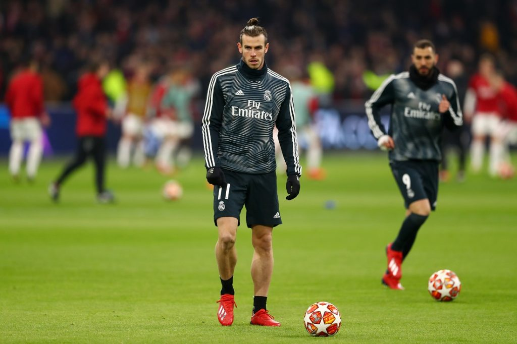Gareth Bale, hier im Champions-League-Achtelfinale bei Ajax Amsterdam, ist bei Real Madrid derzeit nur Reservist. (Photo by Lars Baron/Getty Images)