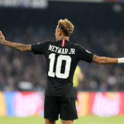 Was soll man da machen? PSG-Superstar Neymar.
