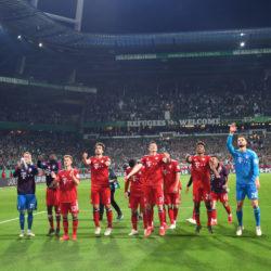 Geliebt und gehasst: Der FC Bayern in fremden Stadien - Da sind Tickets Zweitwährung!