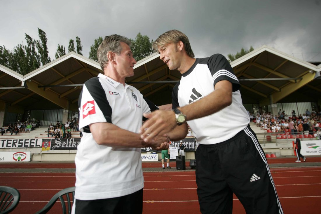 """I met you before somewhere! "" – Gladbach-Manager Jupp Heynckes (l.) and Lars Leese, in 2006."