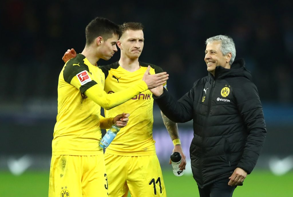 Marco Reus (m.) spielt seit 2018 wieder unter seinem Trainer-Mentor Lucien Favre. Links: Julian Weigl.