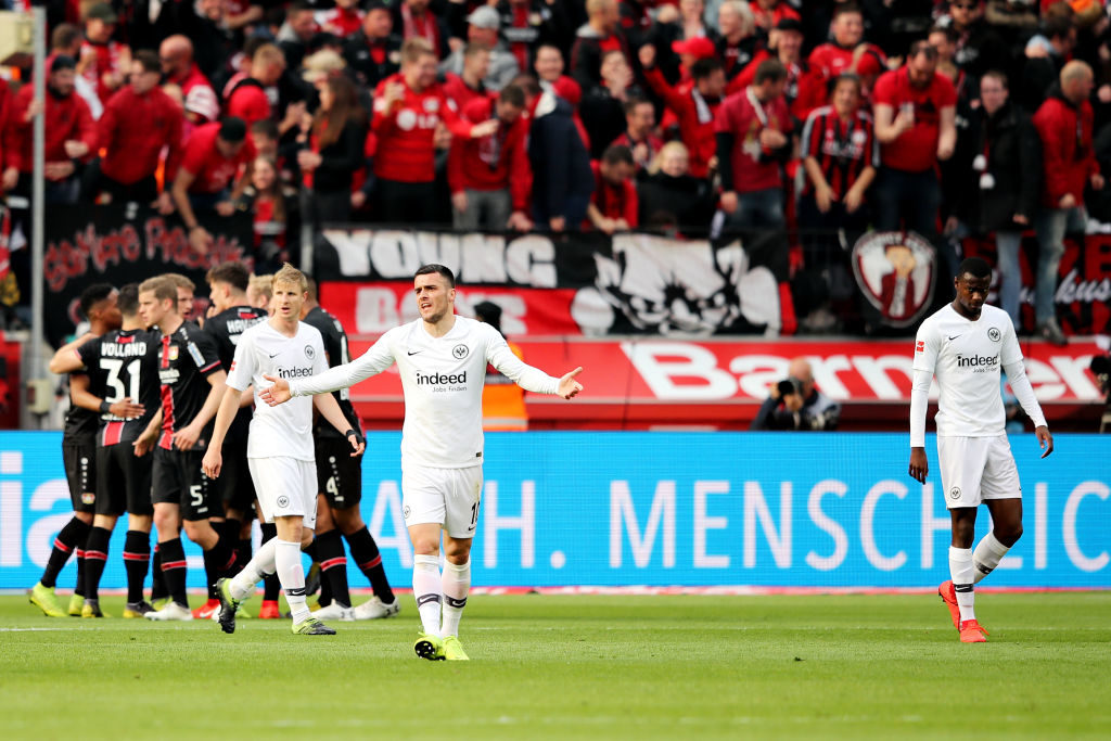 Eintracht Frankfurt und Filip Kostic konnten nach dem Europa-League-Halbfinale nichts mehr zusetzen - und kamen unter anderem beim 1:6 bei Bayer Leverkusen unter die Räder. (Photo by Christof Koepsel/Bongarts/Getty Images)
