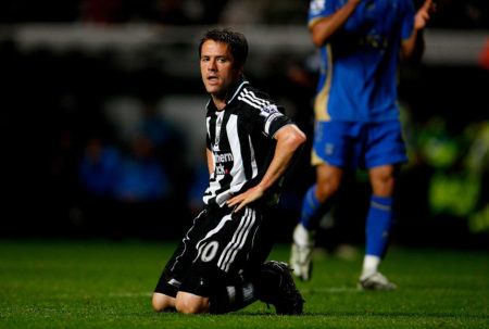 Wonder Boy, was nun? Michael Owen stieg 2009 mit Newcastle United aus der Premier League ab. (Photo by Stu Forster/Getty Images)