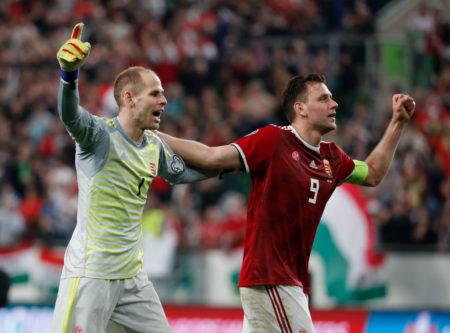 Ungarn mit den Bundesligaprofis Peter Gulacsi (l.) und Adam Szalai schlug in Budapest in der EM-Quali Wales und zuvor auch Vize-Weltmeister Kroatien