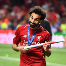 Verschmitzt grinst Mo Salah nach dem Gewinn der Champions League mit dem FC Liverpool. Wollte der Ägypter den Klopp-Klub wirklich verlassen?