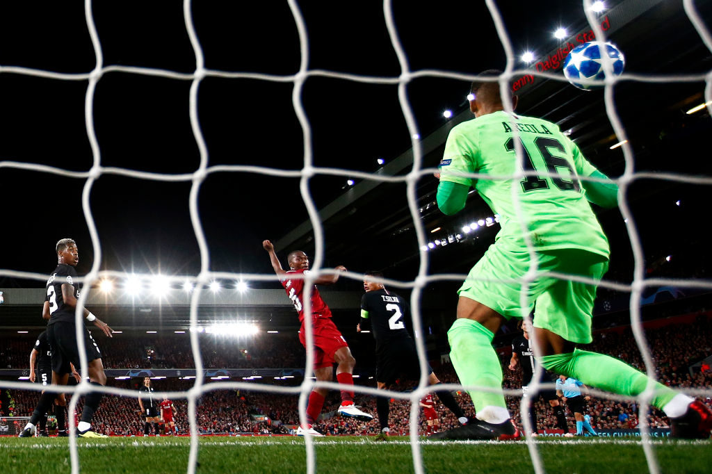 Ohne dieses Tor wäre Liverpool möglicherweise nicht Champions-League-Sieger 2019 geworden: Daniel Sturridge (m.) überwindet PSG-Torhüter Alphonse Areola zum 1:0 (Endstand: 3:2) im Gruppenspiel. Nun sucht der Stürmer einen neuen Job.