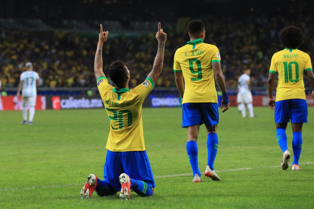 Roberto Firmino vom FC Liverpool bejubelt seinen entscheidenden Treffer zum 2:0 für Brasilien im Copa-América-Halbfinale 2019 gegen Argentinien
