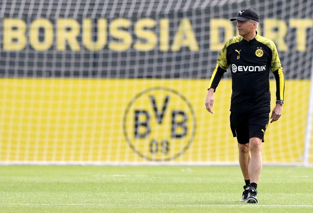 Der Monsieur lässt bitten: BVB-Coach Lucien Favre beim Trainingsauftakt.