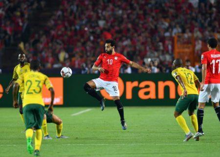 Mohamed Salah und Ägypten müssen beim Afrika Cup 2019 im eigenen Land gegen Südafrika (0:1) im Achtelfinale sensationell die Segel streichen...