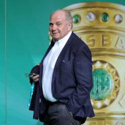 Abgang: Uli Hoeneß, hier auf dem grünen Teppich beim Pokalfinale in Berlin am 25. Mai 2019, wird dem FC Bayern ab November nicht mehr als Präsident zur Verfügung stehen.