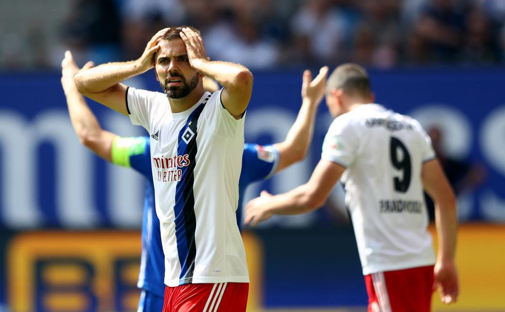 Lukas Hinterseer kann es nicht fassen: Der HSV blieb wie im Vorjahr gegen Darmstadt 98 ohne Heimsieg
