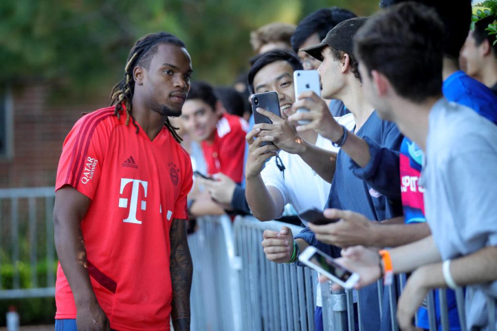Diese Selfies mit Renato Sanches haben nun Sammlerwert: Der Portugiese spielt nicht mehr für den FC Bayern...