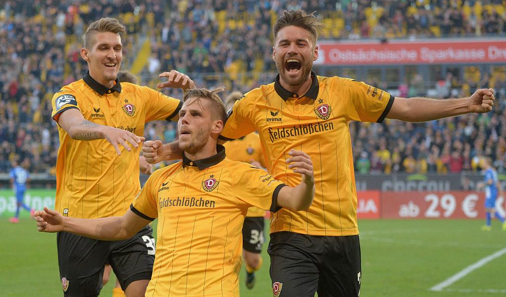 Justin Eilers: Die Saison 2015/2016 in der 3. Liga war seine beste: Mit 23 Toren und 7 Assists führte der Angreifer (Bildmitte) Dynamo Dresden zurück in die 2. Bundesliga.