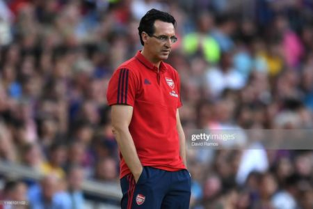 Unai Emery of Arsenal looks on during the Joan Gamper trophy friendly match between FC Barcelona and Arsenal