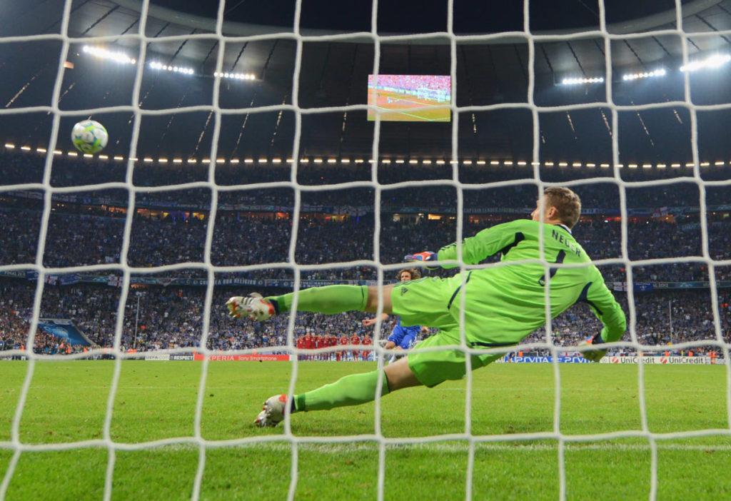 Manuel Neuer konnte die FC Bayern Niederlage nicht verhindern. Vize-Tripple 2012.