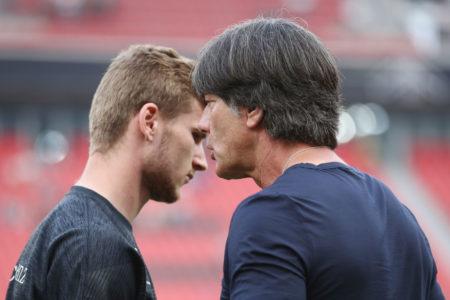 Bundestrainer Joachim Löw (r., hier beim WM-Testpiel im Juni 2018 in Leverkusen gegen Saudi-Arabien), gilt als Vertrauensperson von Leipzig-Stürmer Timo Werner (l).