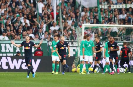 Cool und effizient: Leipzigs Marcel Sabitzer (l.) erzielt das 2:0 bei Werder Bremen.